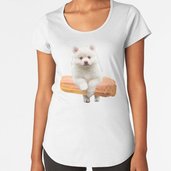 Cute Alaskan Malamute Dog jumping an éclair by Alice Monber Premium Scoop T-Shirt