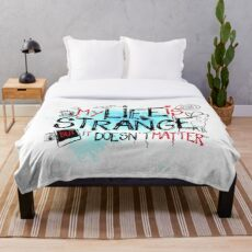 My life is strange Throw Blanket