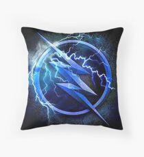 Zoom Crest T-shirt Throw Pillow