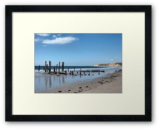 Port Willunga by Debra LINKEVICS