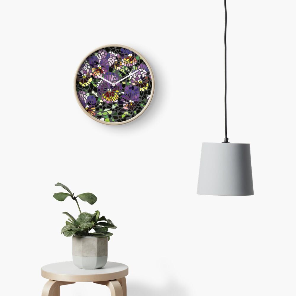 Mosaik lila Stiefmütterchen Uhr
