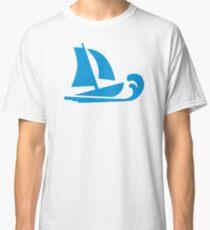 Sailing boat wave Classic T-Shirt