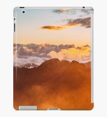 Minds In Nature | Modern Printing | Hidden Lake | USA | #30207461 iPad Case/Skin
