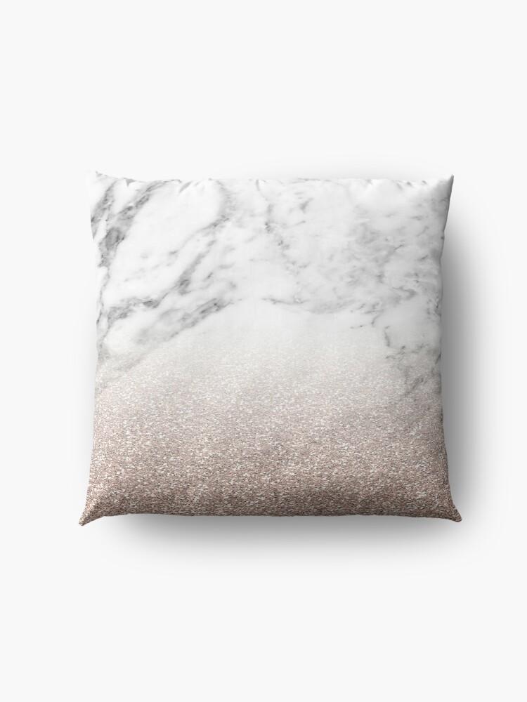 Alternative Ansicht von Rose Gold Glitter auf Marmor Bodenkissen