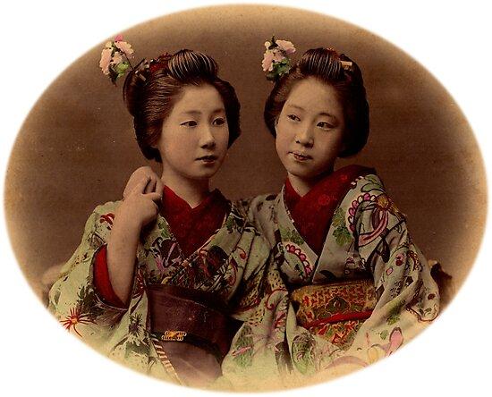 Japanese girls wearing kimono by Fletchsan