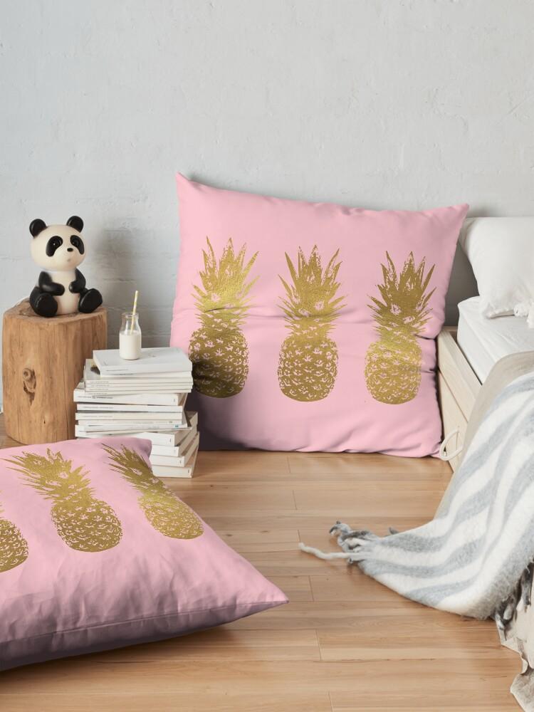 Alternative Ansicht von Rosa und Gold Ananas Bodenkissen
