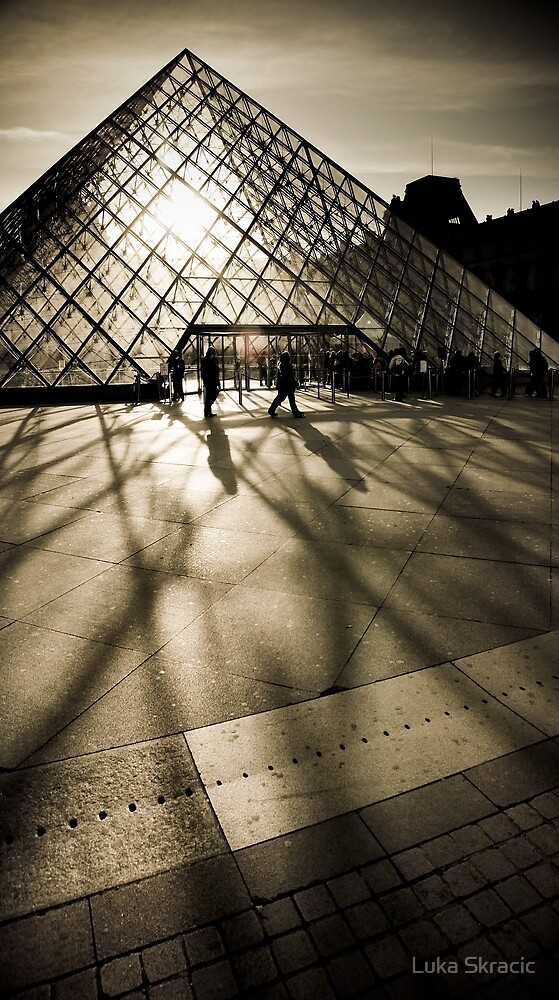 Musée du Louvre by Luka Skracic