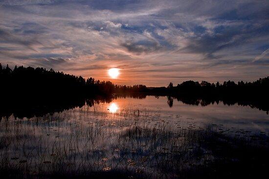 Sunset Fågelsjö by itchingink