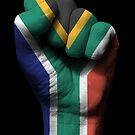 Flagge von Südafrika auf einer angehobenen geballten Faust von jeff bartels