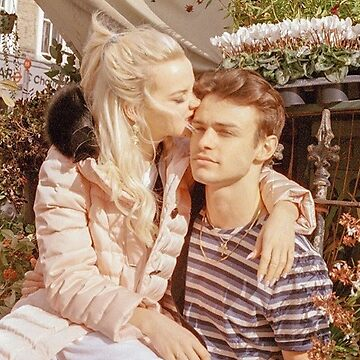 Dove Cameron and Thomas Doherty by Margot25