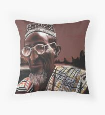 Seeing is believing Throw Pillow