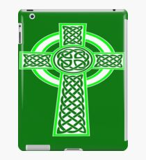St Patrick's Day Celtic Cross White and Green iPad Case/Skin