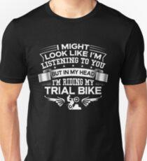 Camiseta unisex En mi cabeza estoy montando mi bicicleta de prueba