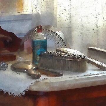 Elegant Silver Hair Brush Set by SudaP0408