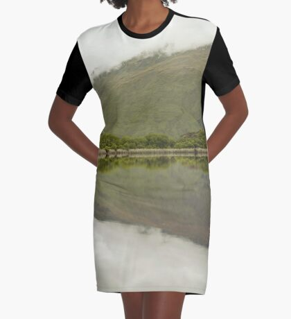 Reflexionen von Diamond Lake T-Shirt Kleid