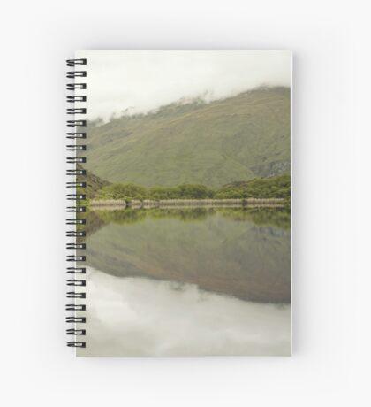 Reflexionen von Diamond Lake Spiralblock