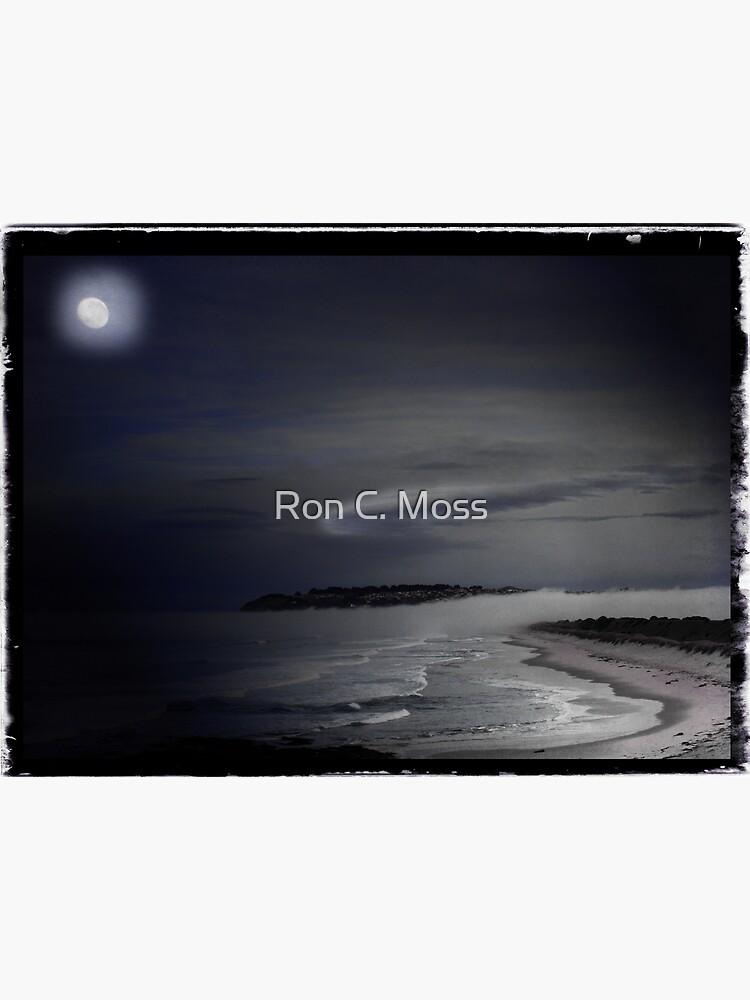 St Kilda Moon - Dunedin NZ by ronmoss