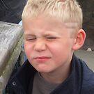 Grumpy photo subject! by lizh467