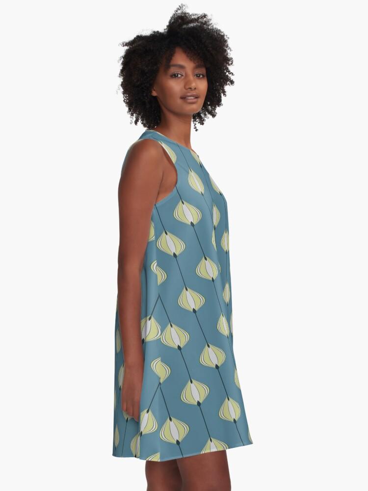 Alternative Ansicht von Blättermuster auf Blau A-Linien Kleid