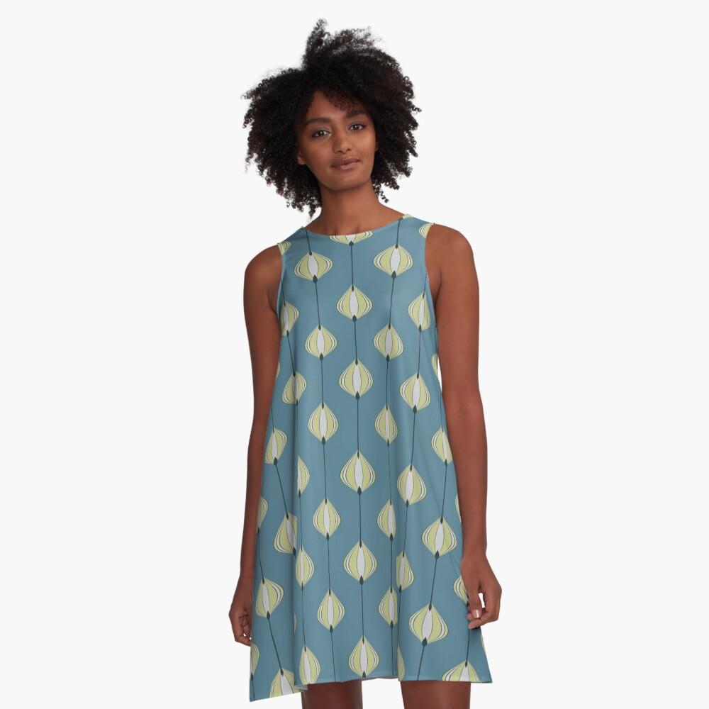 Blättermuster auf Blau A-Linien Kleid