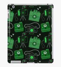 Green & Black Shutter Bug Retro Cameras iPad Case/Skin