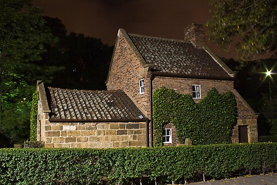 Melbourne at night - Cooks Cottage front by Mark Teague