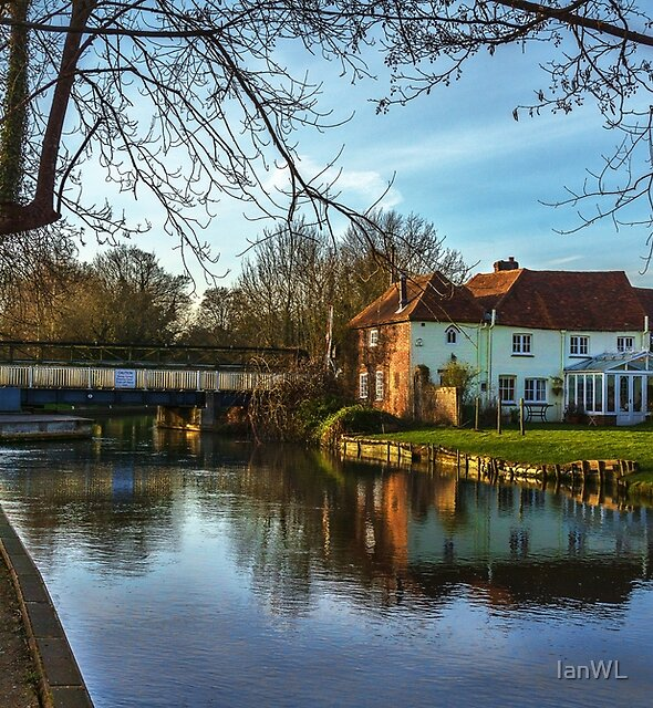 The Kennet and Avon At Sulhamstead by IanWL