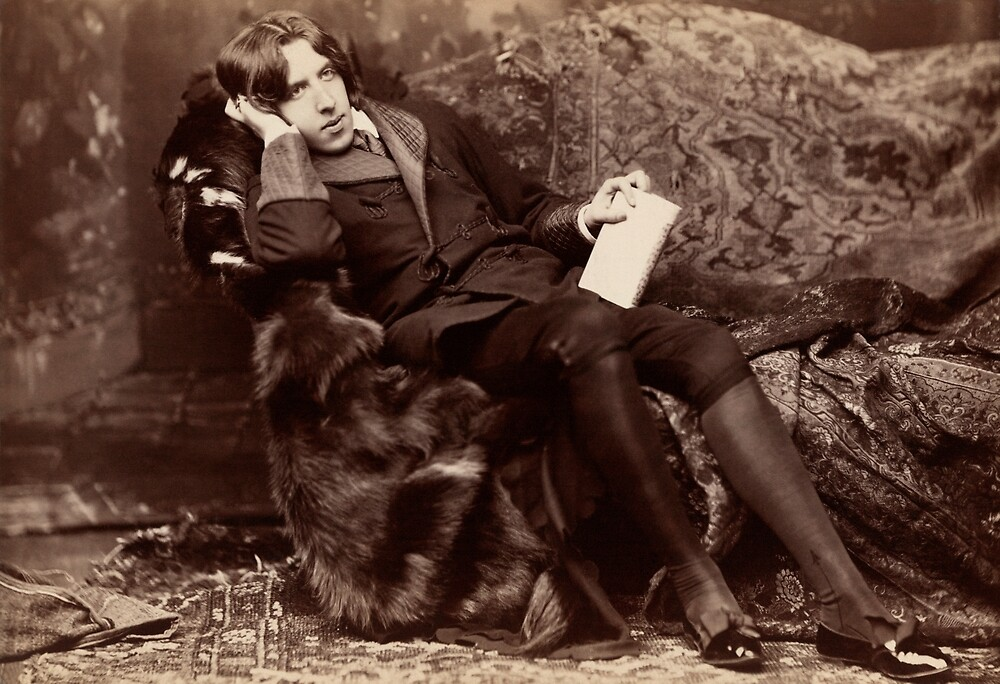 Oscar Wilde reclining by planete-livres