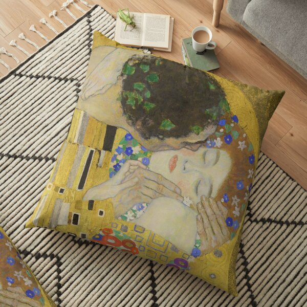Le baiser - Gustav Klimt Coussin de sol