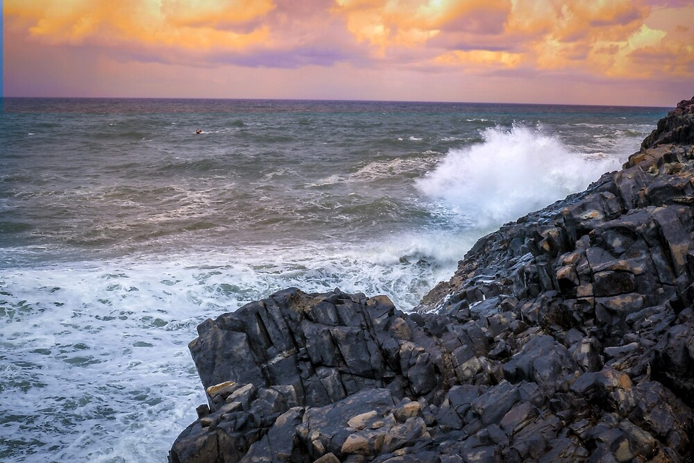 Waves crashing at hell's gate  by photosbybex