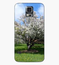 Blooming White Crabapple Tree in Springtime Case/Skin for Samsung Galaxy
