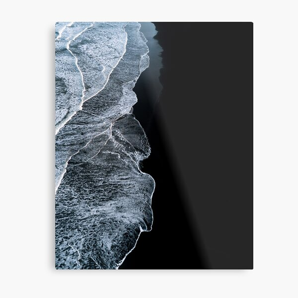 Minimalist waves and black sand beach in Iceland - Landscape Photography Metal Print