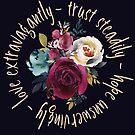 Vertraue beständig, hoffe unerschütterlich, liebe extravagant | Bibelvers Kunst von PraiseQuotes