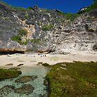 uluwatu beach by Zaven Jordan