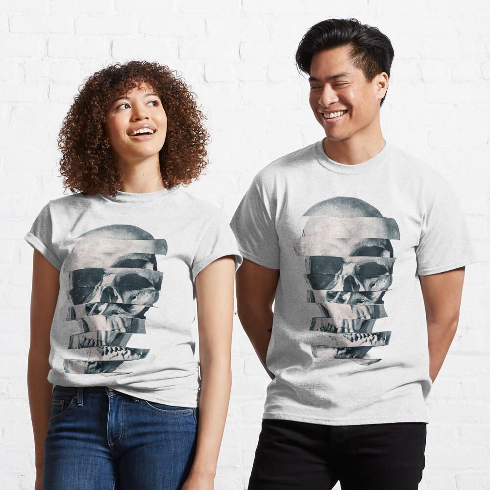 Glitch Skull Mono Classic T-Shirt