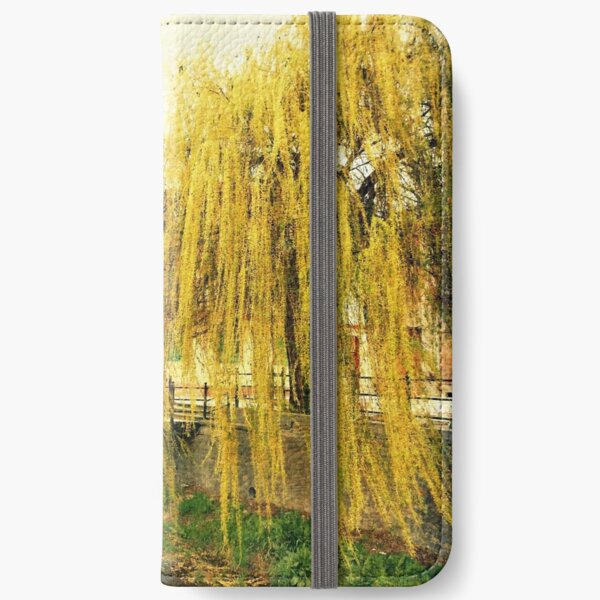 The Willow iPhone Wallet
