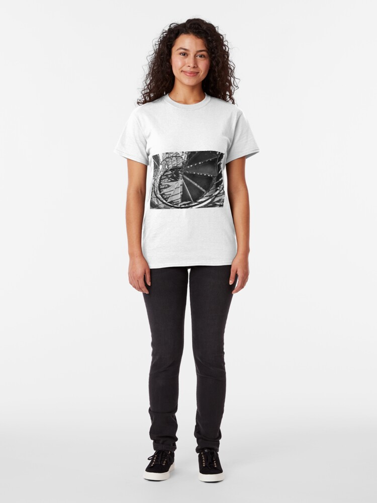 Alternate view of Spiral Staircase of the 'Elevador de santa Justa' Classic T-Shirt