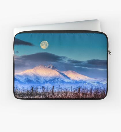 Kissing The Moon Laptop Sleeve