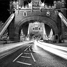 Tower Bridge Trails Mono by duroo