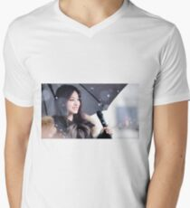 TWICE - Tzuyu Men's V-Neck T-Shirt
