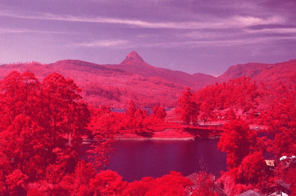 Adam's Peak Lake by niceboynickels