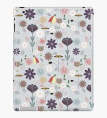 Trendy geomtric flower pattern iPad Case/Skin
