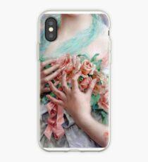 Französische Frau, die Rosen, Weinlesemalerei hält iPhone-Hülle & Cover