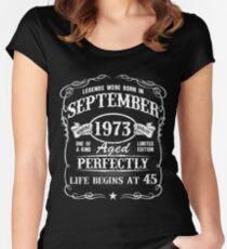 Camiseta entallada de cuello redondo Nacido en septiembre de 1973, las leyendas nacieron en septiembre de 1973