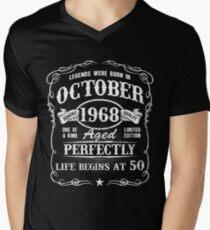 Camiseta para hombre de cuello en v Nacido en octubre de 1968, las leyendas nacieron en octubre de 1968
