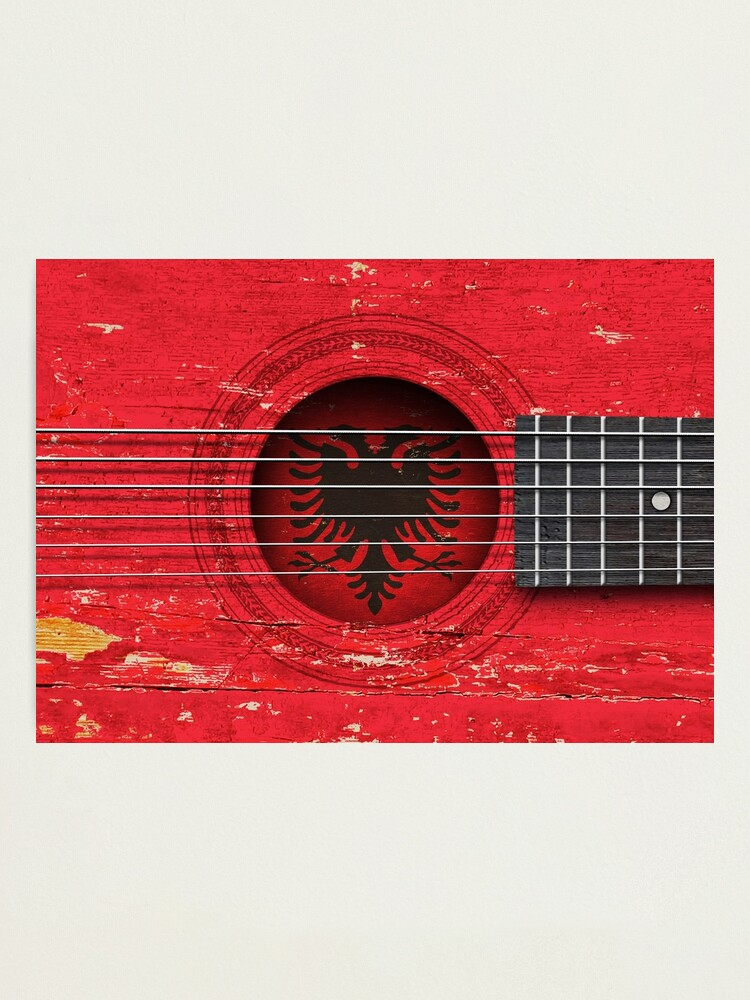 Alte Akustikgitarre Mit Albanischen Flagge Fotodruck Von Jeffbartels Redbubble