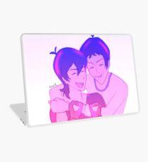 Klance Hug: Variation-Color Laptop Skin
