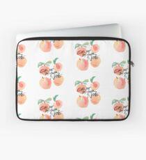 Ruf mich mit deinem Namen an - Peaches Laptoptasche