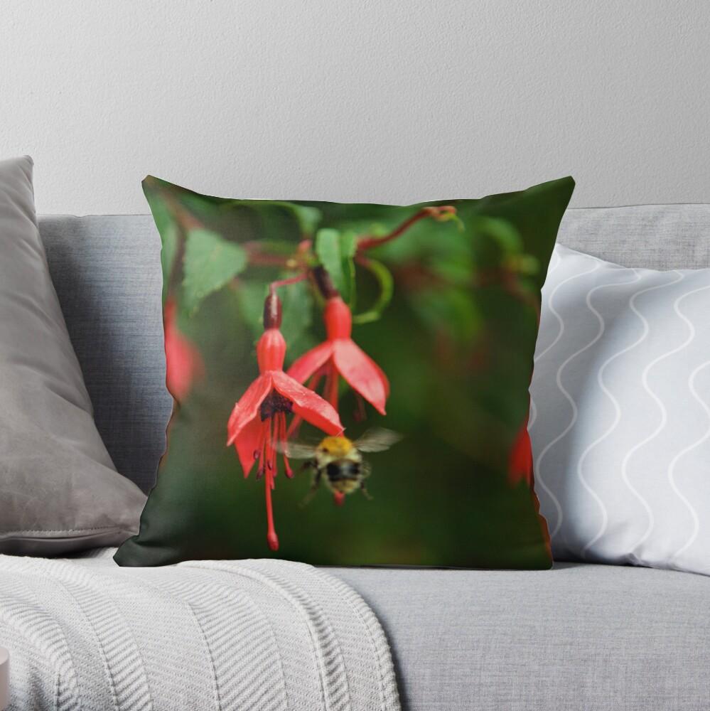 Fuchsia at Loch Na Fooey (wide) Throw Pillow