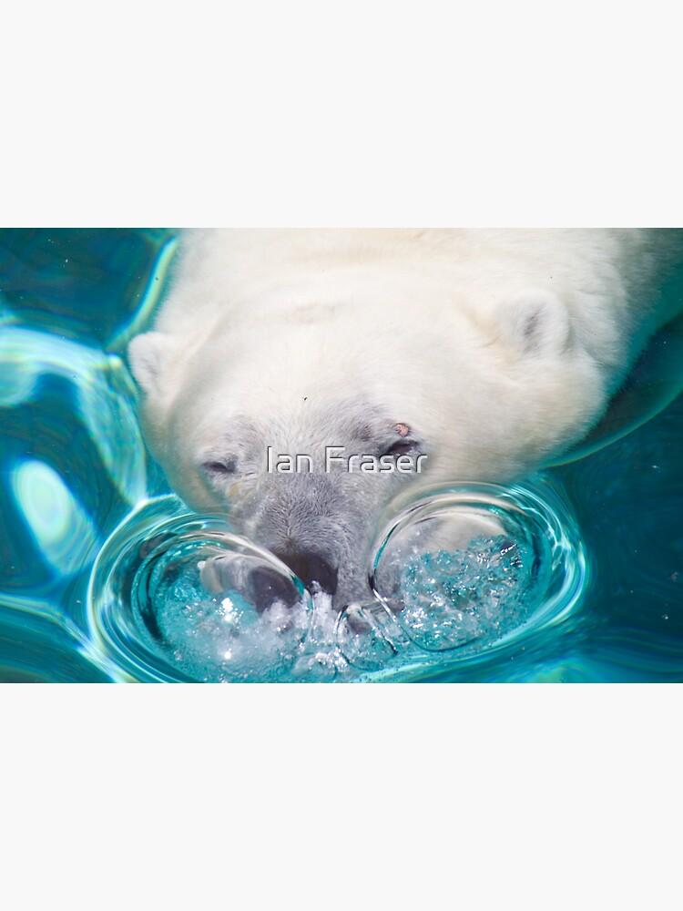 Bubbles by Mowog